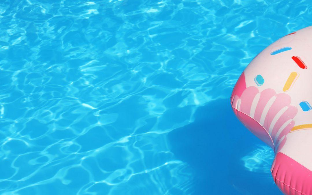 Il trattamento acqua della piscina in 5 facili step